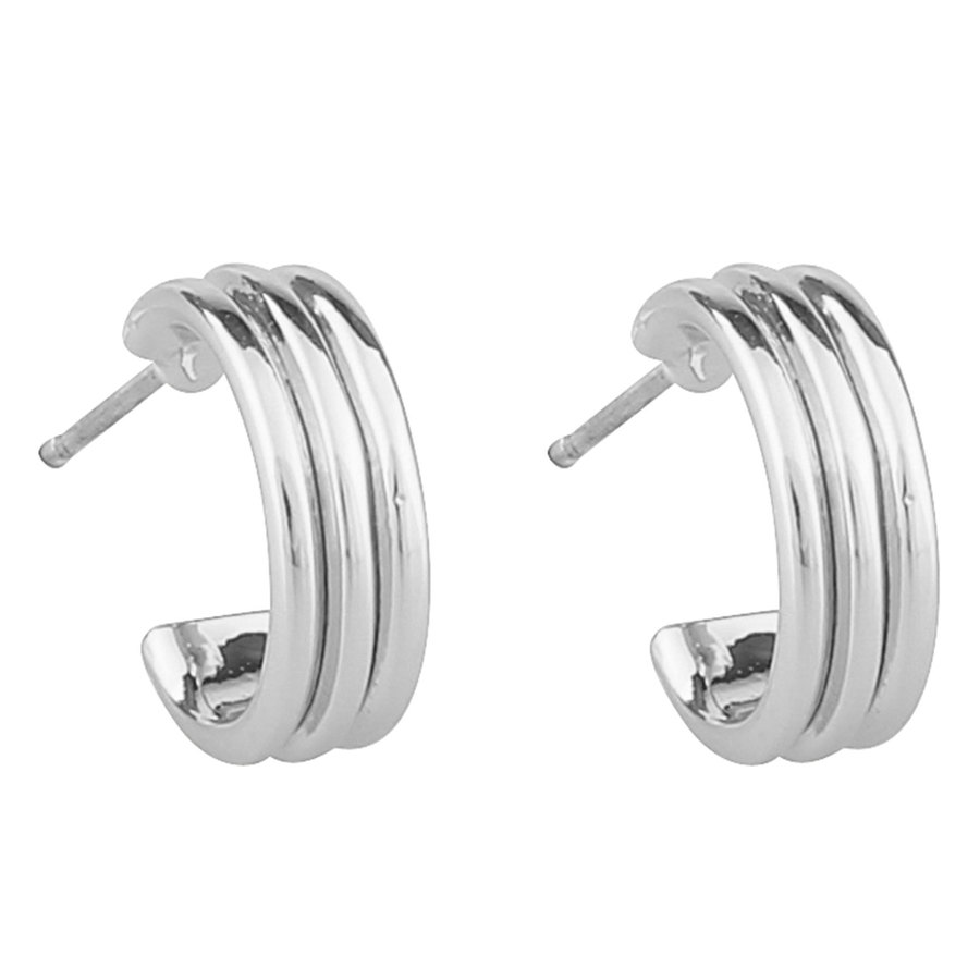 SNÖ of Sweden Helena Small Oval Earring – Plain Silver